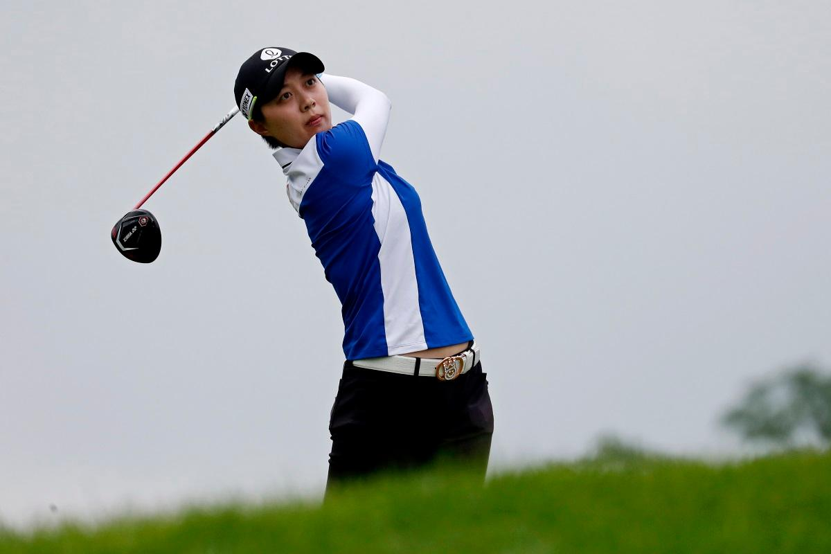 Kim Hyo-Joo Leads By One In France