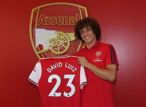 Arsenal Complete £8m Luiz Signing From Chelsea
