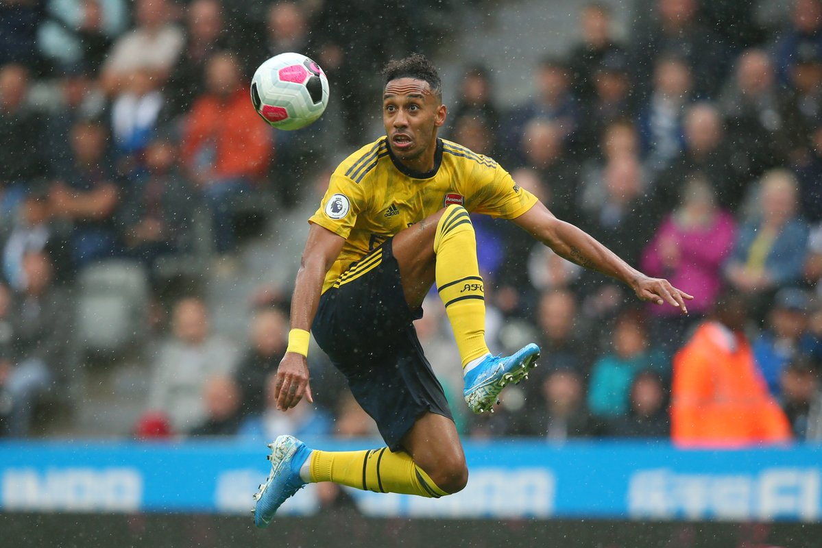 Klopp Talks Up 'Goal Machine' Aubameyang As Liverpool Host Arsenal