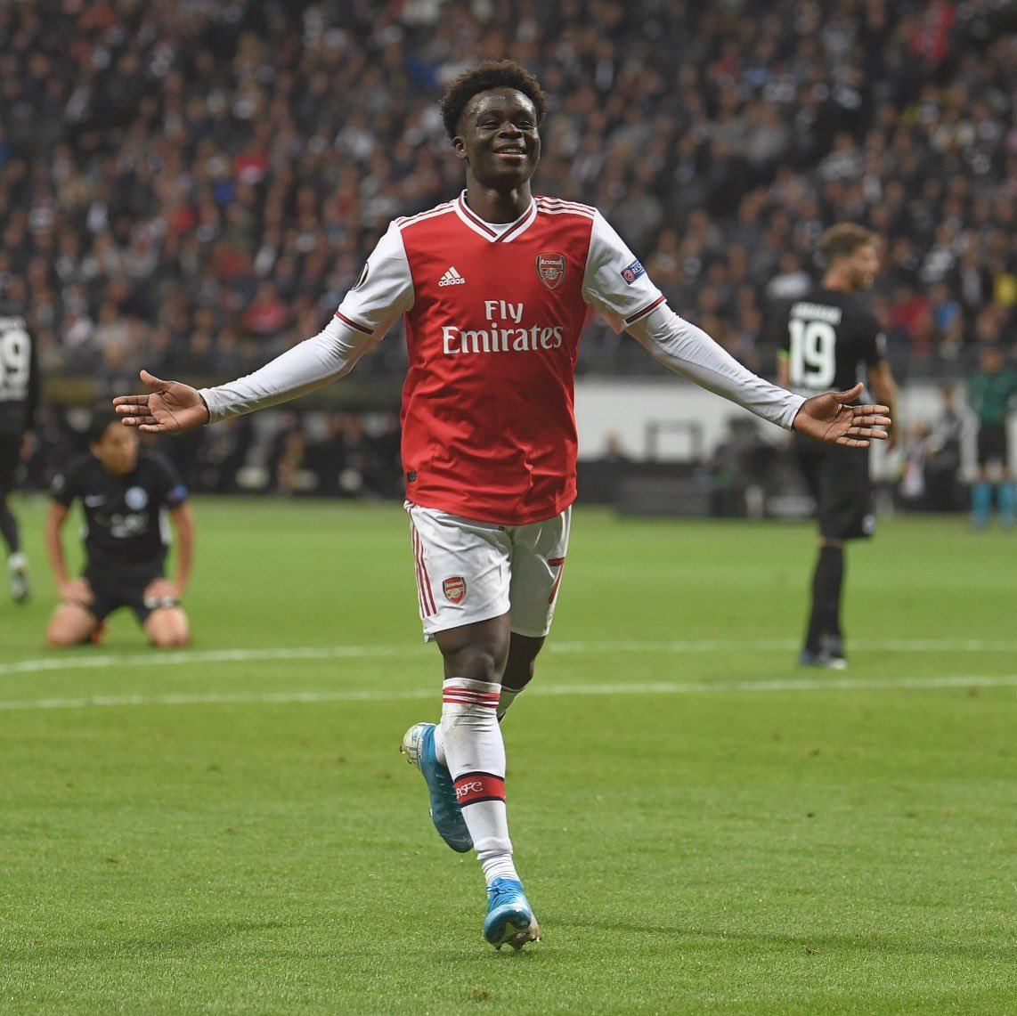 Saka Talks Up Idol Ronaldo  After Inspiring Arsenal Win At Frankfurt
