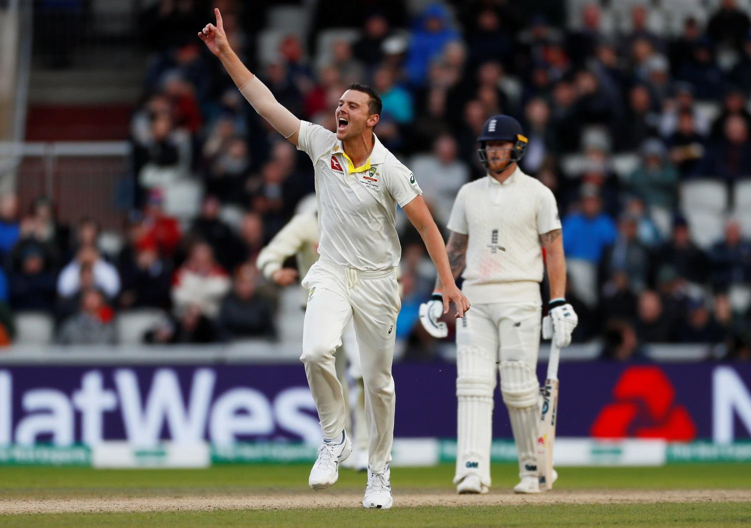 England Suffer Late Slump At Old Trafford