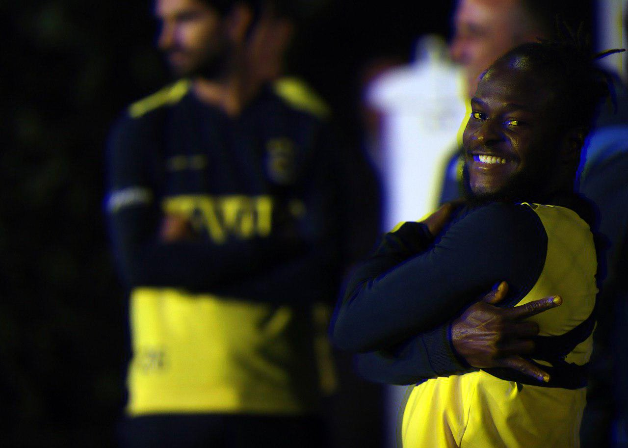 Moses Resumes Training With Fenerbahce