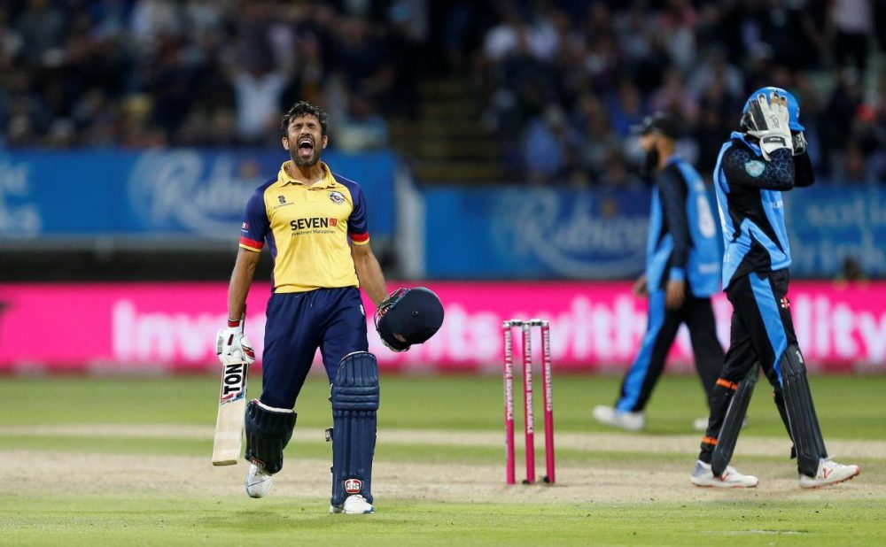 Sussex Secure Bopara's Signature