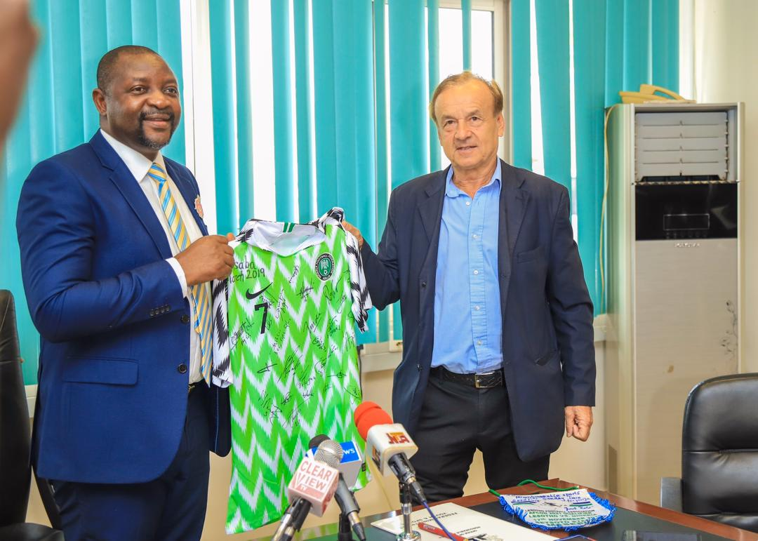 Rohr Visits Sports Minister Dare In Abuja, Commended For Eagles Job
