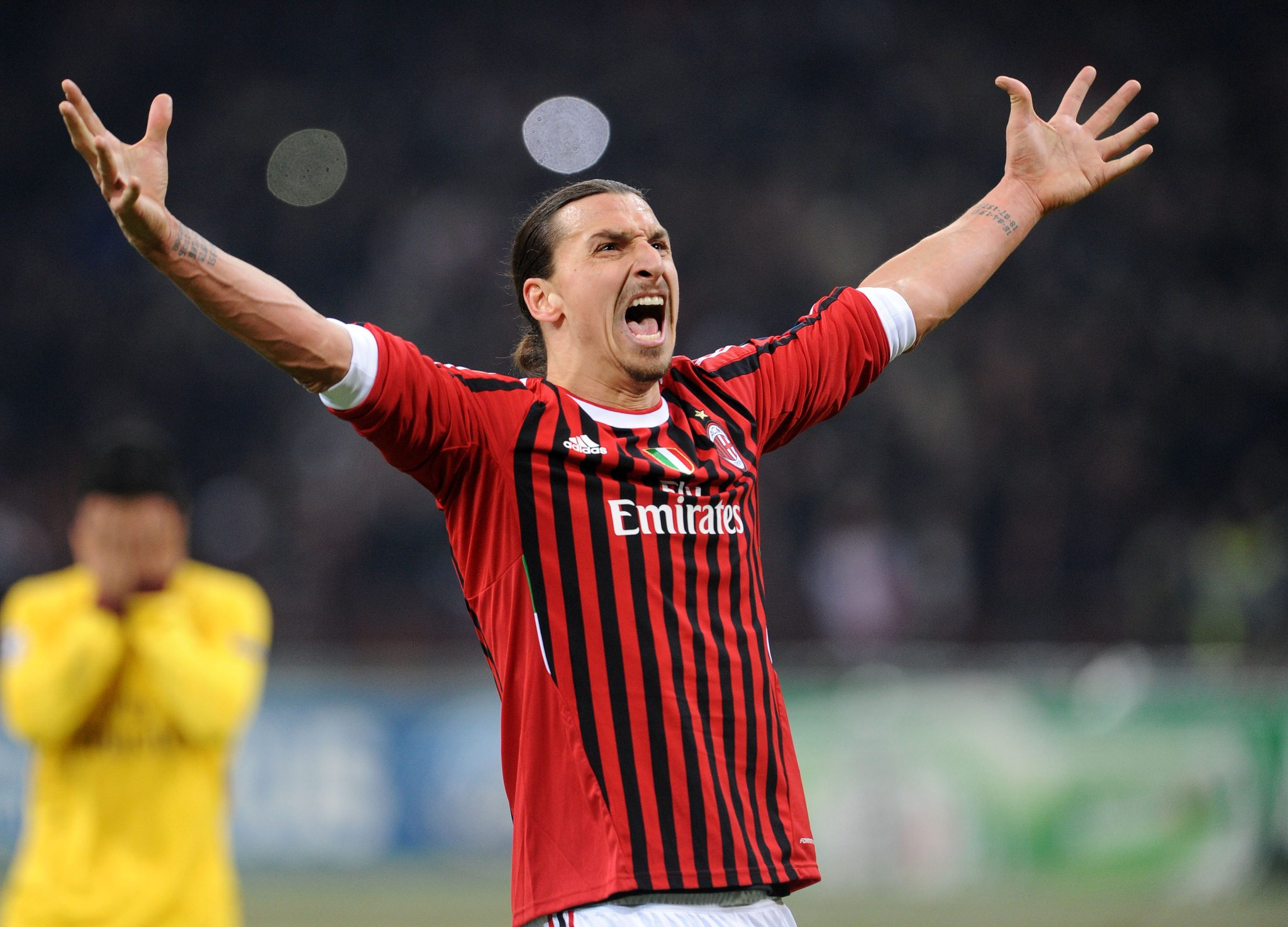 Ibrahimovic At AC Milan For Medical, Tells Fans: I'm Happy to be Back