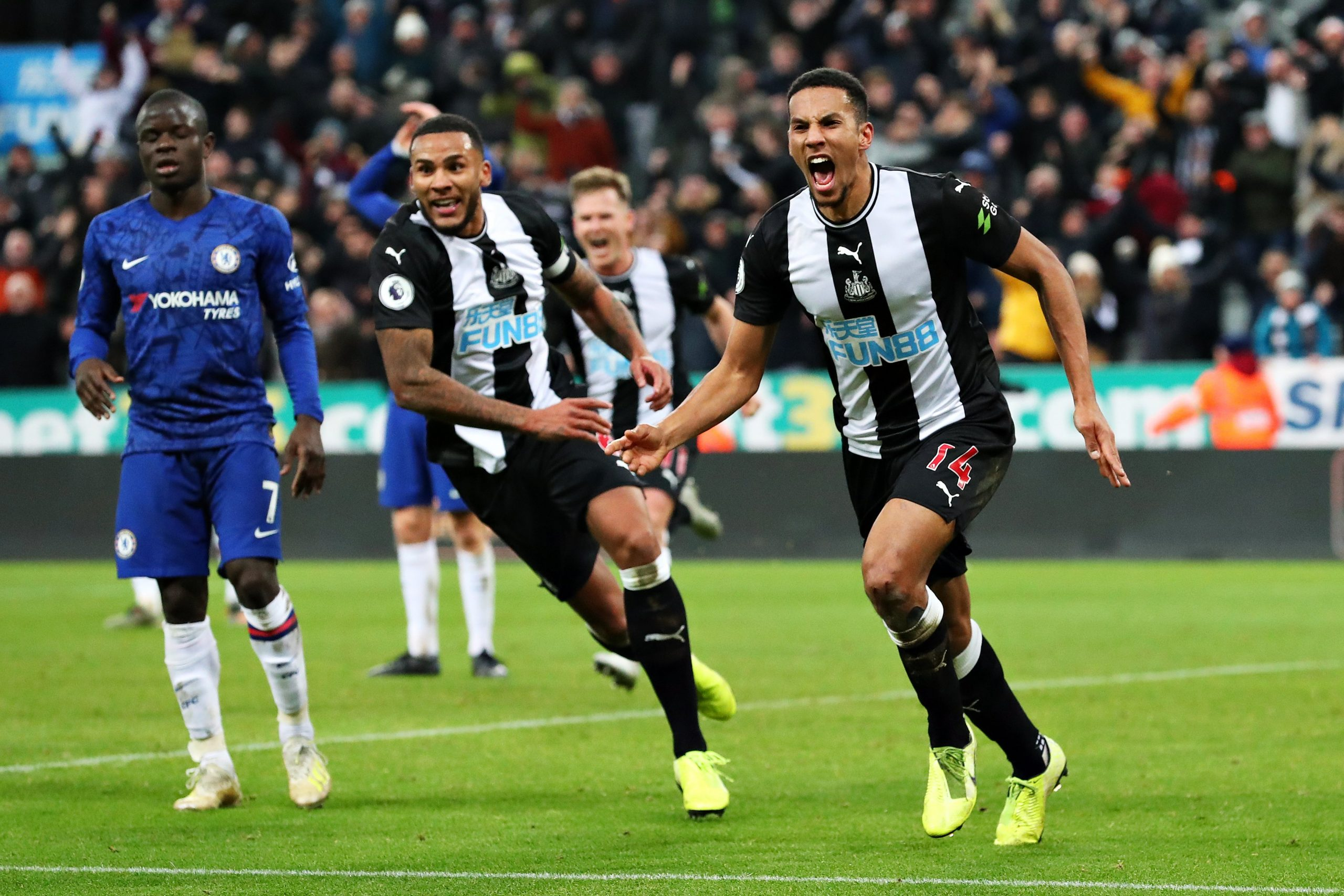 Ex-Arsenal Midfielder Strike Late As Newcastle Beat Chelsea