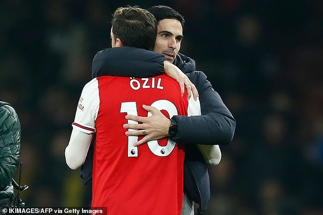 Ozil Backs Arsenal For Top Four Finish