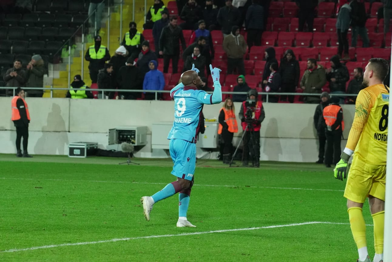 Eagles Roundup: Nwankwo Nets Late Winner For Crotone; Nwakaeme Also On Target For Trabzonspor