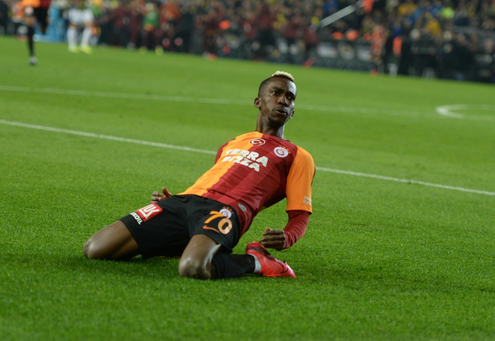 Onyekuru Delighted After Galatasaray's Historic Win At Rivals Fenerbahce