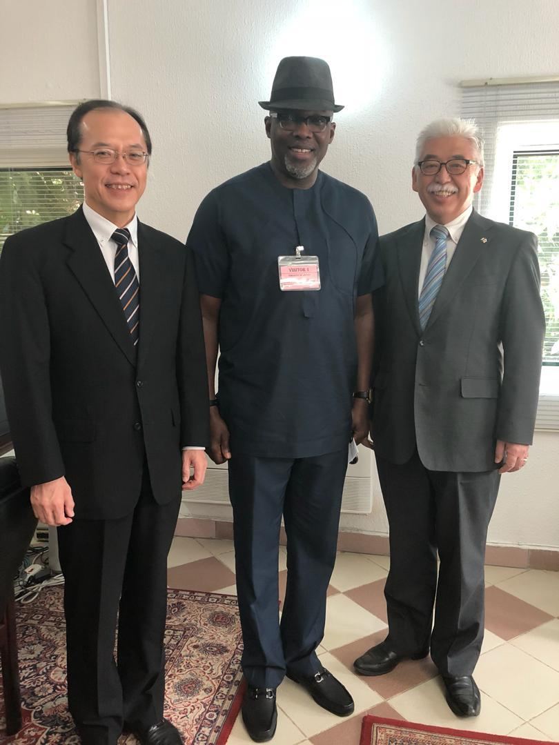 Japan Donates Racquets To Nigeria Badminton Federation; Promise To Sponsor A National Championship