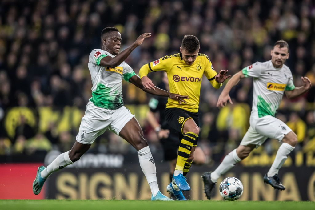 Battle Of The Borussias Headlines Bundesliga Matchday 25