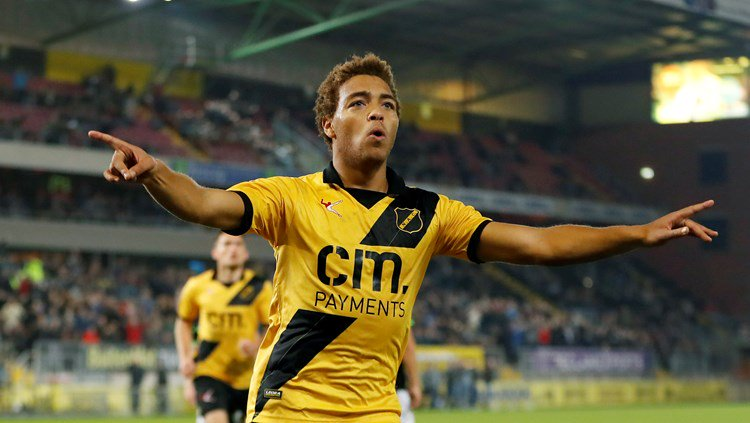 Heracles Almelo Confirm Offer For Dessers