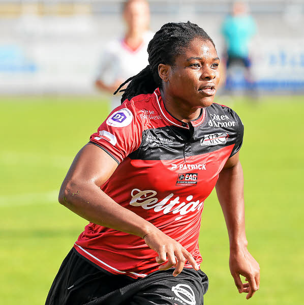 Oparanozie Announces Exit From French Club Guingamp