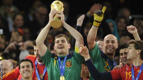 Real Madrid Legend Casillas Announces Retirement From Football