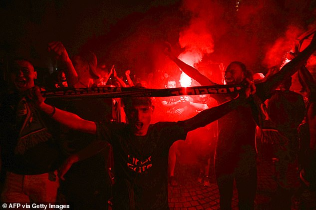 Marseille Fans Celebrate PSG's UCL Final Defeat To Bayern