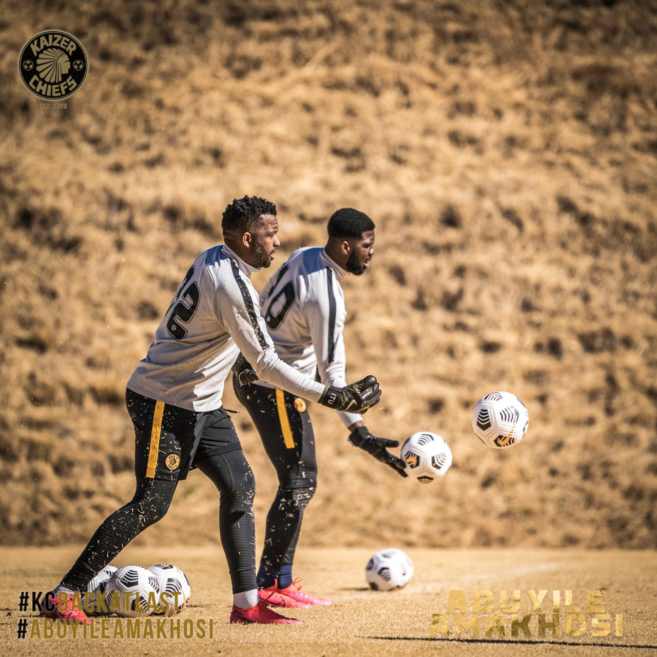 'He Is A True Legend'- Akpeyi  Reveals Admiration  For Kaizer Chiefs Rival Khune