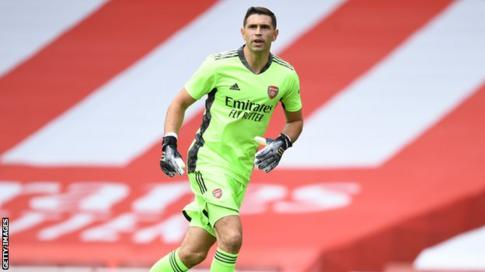 Arsenal 'set to sell goalkeeper Emiliano Martinez to Aston Villa for £15m'