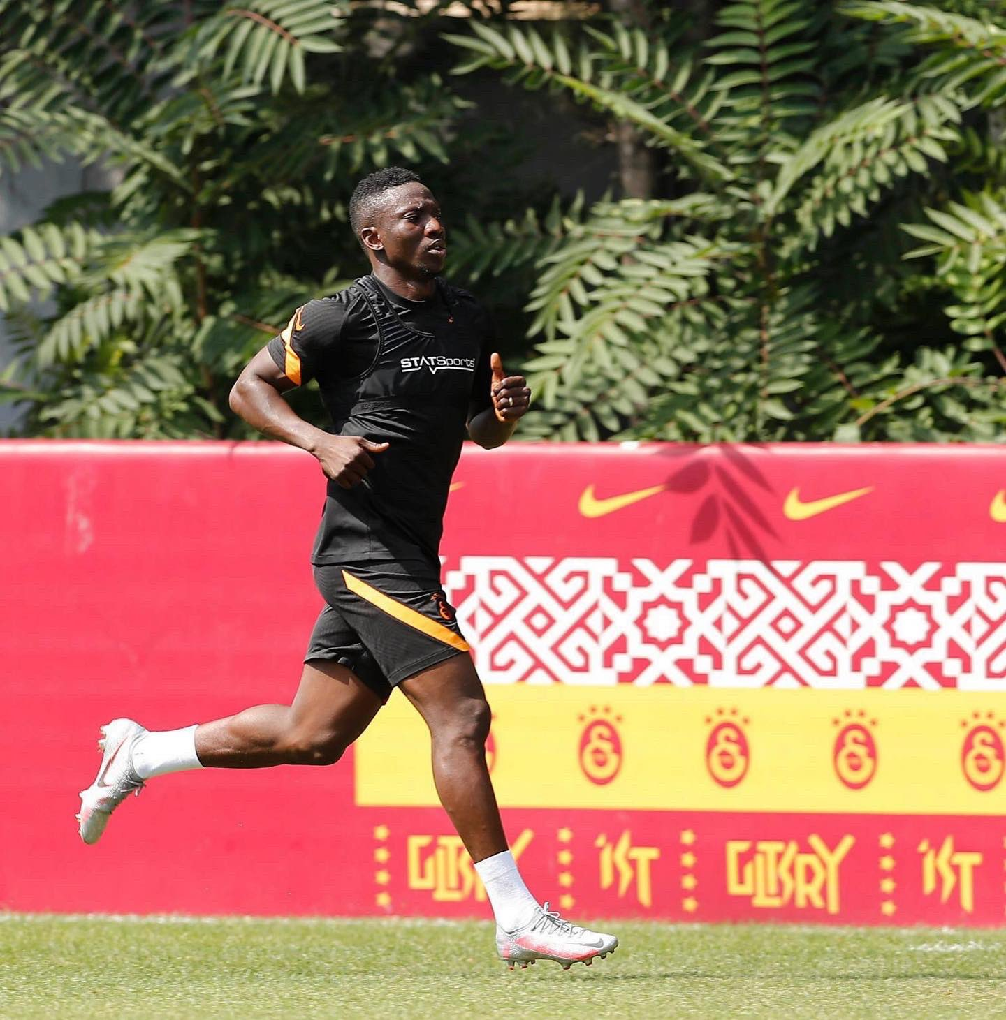 Etebo Gets Busy In New Galatasaray Career