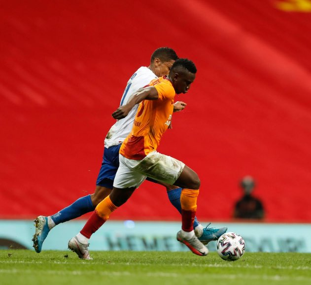 Etebo Celebrates Galatasaray's Europa League Play-off Qualification