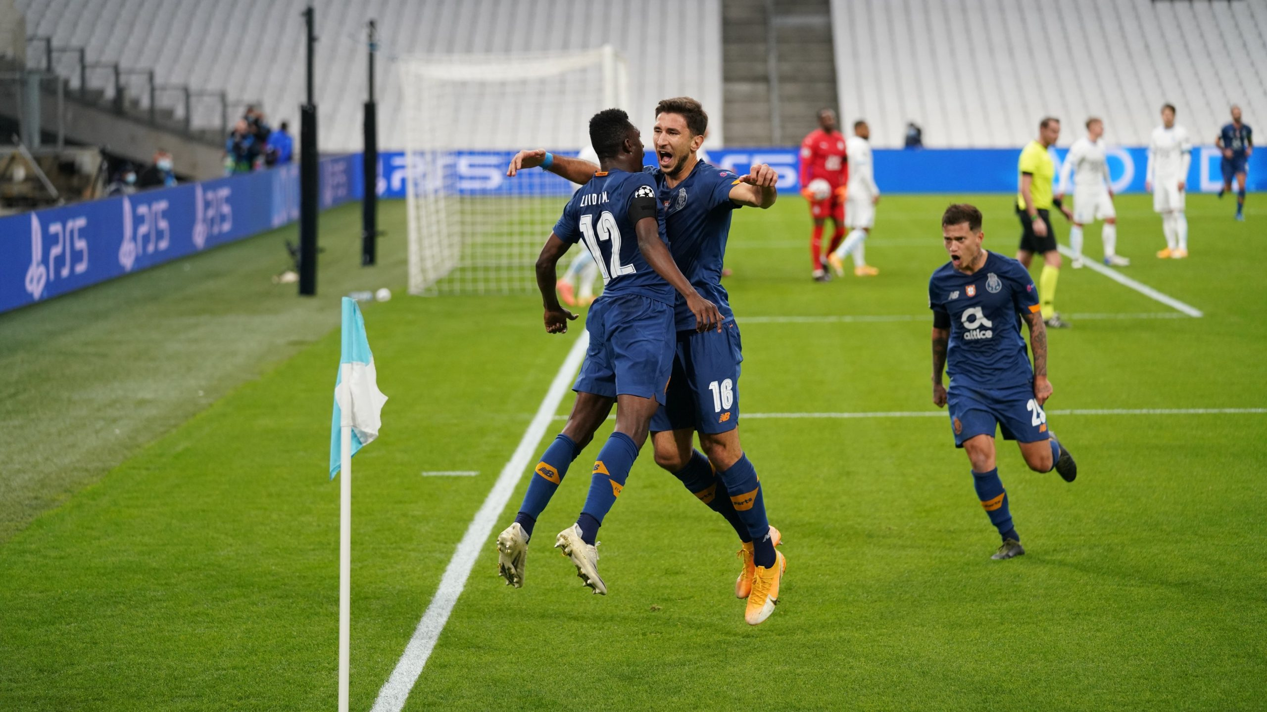 Porto Celebrate Sanusi Goal Vs Olympic Marseille
