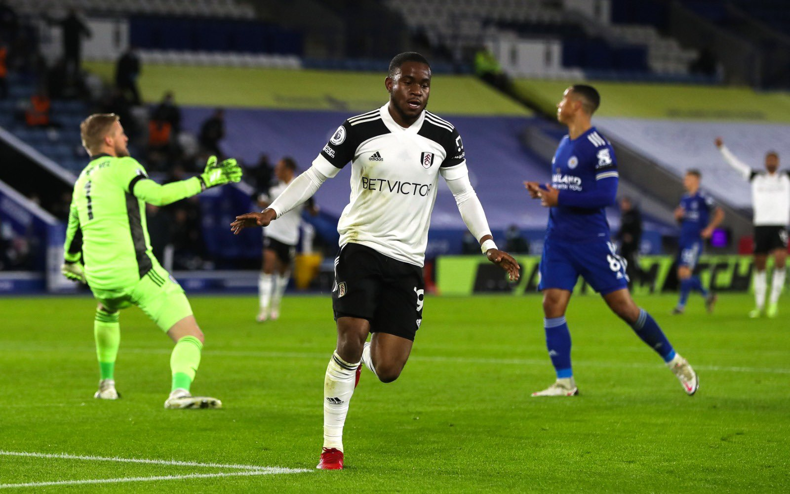 Fulham Boss Parker Praises 'Courage' Of Lookman, Cavaleiro  After Vital Win At Leicester
