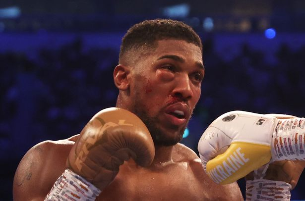 Joshua Taken To Hospital After Defeat To Usyk